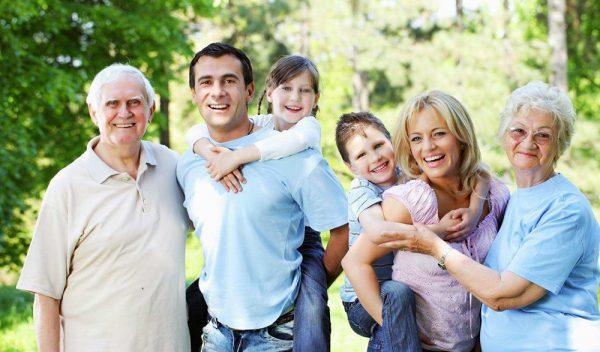 Nên mua bảo hiểm sức khỏe nào cho gia đình được hưởng ưu đãi cao?